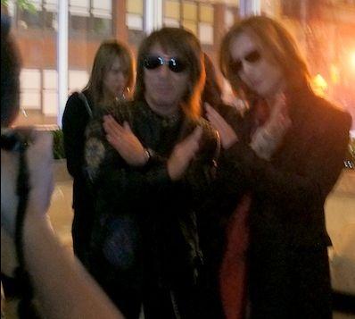 Tak Matsumoto×XJAPAN‐YOSHIKIの2ショット「Xポーズ」が見れるサイトとは!?